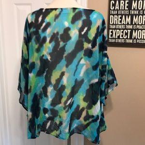 Cato size 2X flowy tunic top 💙
